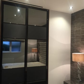 Marble_arch_fitted_wardrobe_bespoke_made-to-measure-sliding-doors